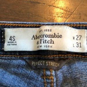 Abercrombie & Fitch Jeans - Abercrombie & fitch dark wash skinny jeans